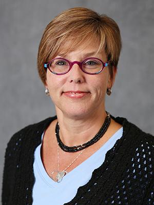 Photo of Victoria Facto, CCIM
